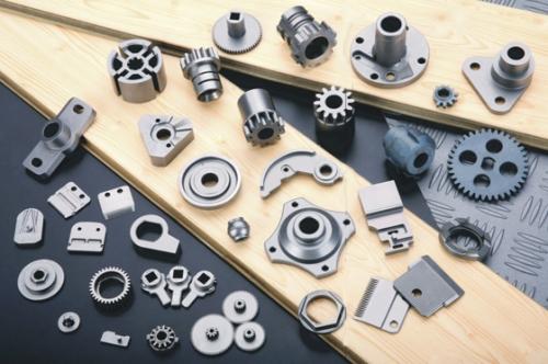 粉末冶金有何工艺特点?其主要工艺过程有哪些?
